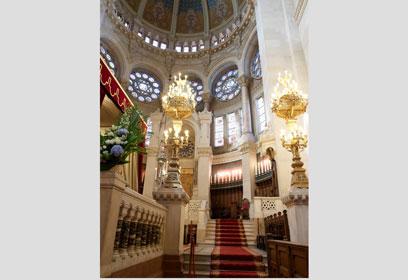 באדיבות בית הכנסת