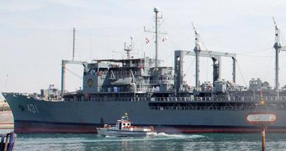 ספינה איראנית עוברת בתעלת סואץ בשנה שעברה (צילום: רויטרס)