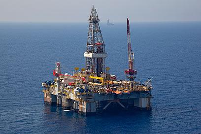 """קידוח הגז במאגר """"לוויתן"""" שבים התיכון (צילום: אלבטרוס צילומי אוויר)"""