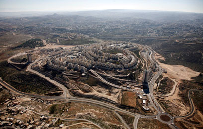 """שכונת הר חומה בירושלים. """"מודאגים מהודעות הבנייה"""" (צילום: אתר  lowshot)"""