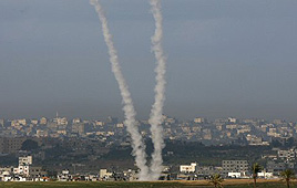 Rocket launched from Gaza (Archive photo: Reuters)