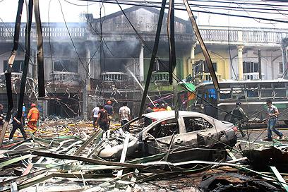 אזור הפיצוץ בתאילנד (צילום: AP)