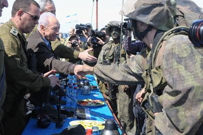 """מפגש עם הלוחמים בגולן (צילום: מארק ניימן, לע""""מ)"""