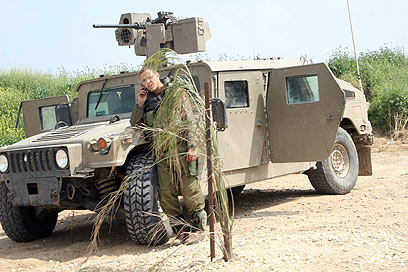האמר קטלן. ירי עמוק יותר ללא יציאה מהרכב (צילום: מוטי קמחי)