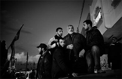 11 בדצמבר, 2009. לראשונה מאז תחילת המלחמה בינואר, משתתף ראש ממשלת חמאס איסמעאיל הניה בהפגנה פומבית בעזה (צילום: פרדריק סוטרו)