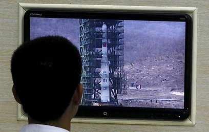 יגיע לחלל? טיל בליסטי של צפון קוריאה              (צילום: EPA)