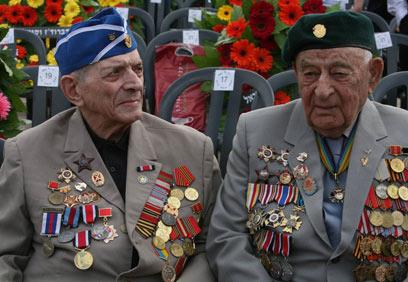 ותיקי מלחמת העולם השנייה, בטקס ביד ושם (צילום: גיל יוחנן)