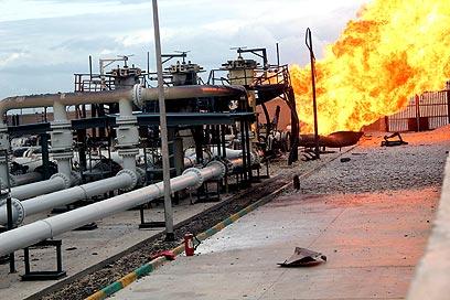 פיצוץ בצינור הגז בסיני (צילום ארכיון: EPA)