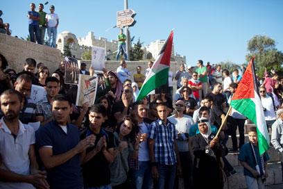 הפגנה בשער שכם בירושלים (צילום: אוהד צויגנברג)