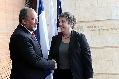 Lieberman with Napolitano (Photo: Yossi Zamir)