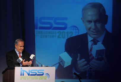 נתניהו בכנס בתל-אביב (צילום: ירון ברנר)