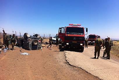 זירת התאונה. החילוץ נמשך זמן רב (צילום: יאיר אלקיים)