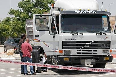 המשאית. האשה קראה את הפרטים בתקשורת (צילום: אליעד לוי)