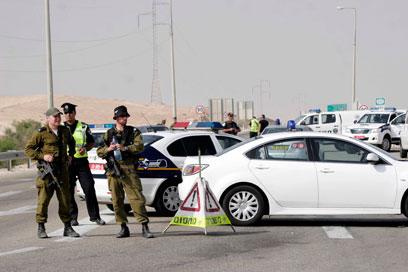 """כוחות צה""""ל באזור גבול מצרים, לאחר הפיגוע ביוני (צילום: אליעד לוי)"""
