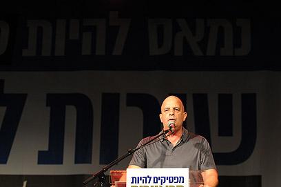 """דיסקין, הערב בתל אביב. """"עומד כאן ומתרגש"""" (צילום: ירון ברנר)"""
