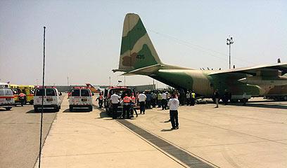 מטוס ההרקולס שהביא את הפצועים לארץ (צילום: קבוצת העיתונאים רוטרניק)