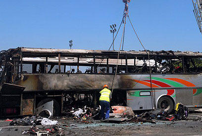 האוטובוס ההרוס בבורגס (צילום: AP)