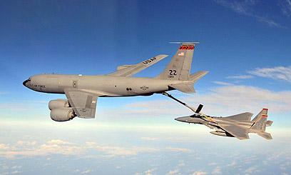 מטוס תדלוק מדגם KC-135 שאותו תוכל לרכוש ישראל