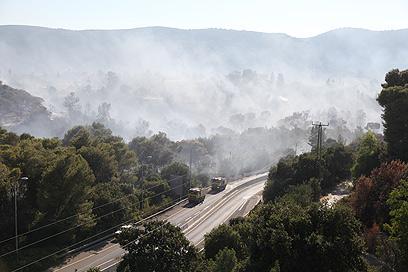 כביש 75 בין צומת השומרים לבין צומת העמקים נסגר לתנועה (צילום: אבישג שאר-ישוב)