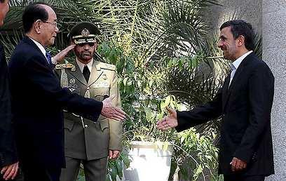 גם שר ההגנה וראש ארגון הגרעין הגיעו (צילום: AFP)