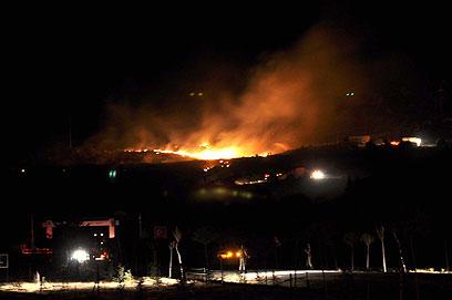 כוחות ההצלה פעלו במשך שעות (צילום: AFP)