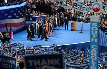 הוועידה הדמוקרטית מודה לחיילים בשירות פעיל (צילום: AFP)