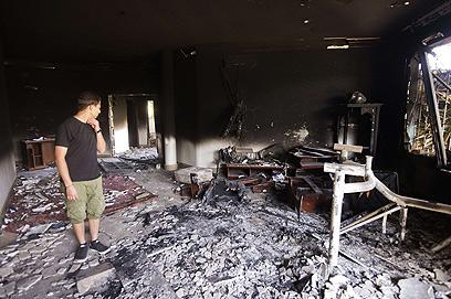 יעד של אל-קאעידה? בניין הקונסוליה האמריקנית בבנגזי לאחר התקיפה (צילום: AFP)