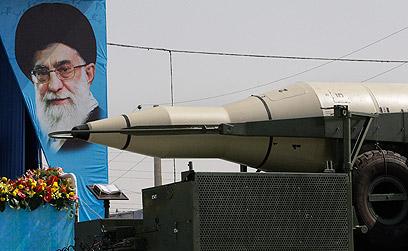 """טיל קרקע-קרקע מסוג """"סג'יל"""" המסוגל להגיע לישראל (צילום: AP)"""