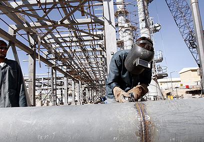 """האיראנים יעמדו בלו""""ז שהציבו לעצמם? הכור באראק (צילום: gettyimages)"""