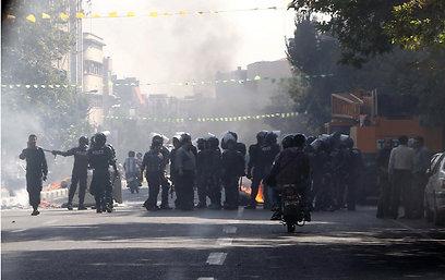 המהומות בטהרן בשבוע שעבר (צילום: AFP)