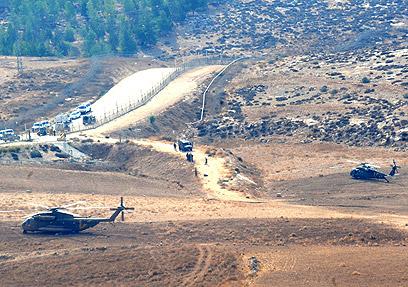 כוחות צבא סמוך למקום היירוט (צילום: חיים הורנשטיין)