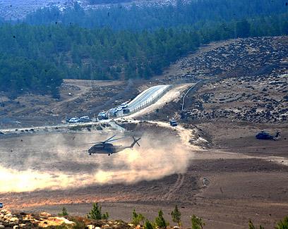 מסוקים הוזנקו לאזור יער יתיר  (צילום: חיים הורנשטיין)