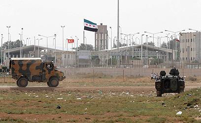 מוצב של צבאטורקיה בסמוך לגבול הסורי (צילום: AP)