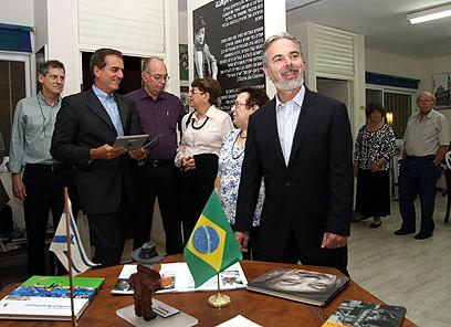 שר החוץ הברזילאי פטריוטה מתארח בקיבוץ (צילום: רועי עידן)
