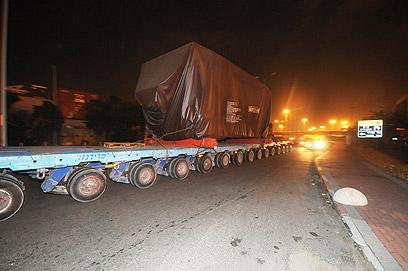 משאיות שמובילות טילי פטריוט. תורגש תנועה ערה (צילום: אבי רוקח)