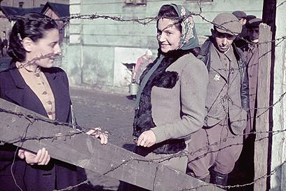 יהודים בגטו קוטנו, 1940 (צילום: Gettyimages)