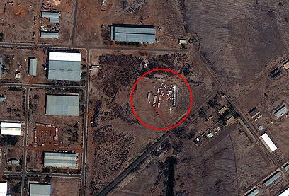 האזור שהופצץ בחרטום (צילום: AP)