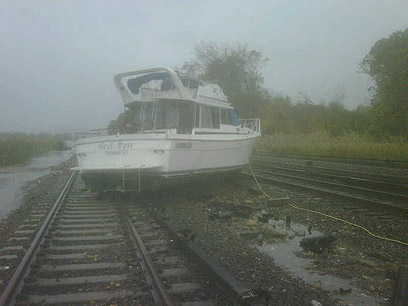 Beached boat in storm (Photo: MTA)