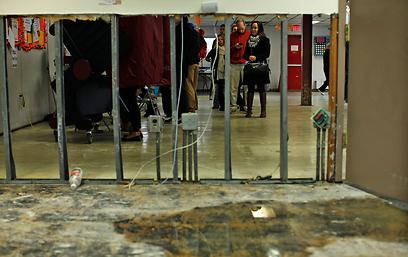 תחנת הצבעה מאולתרת בהובוקן שבניו ג'רזי (צילום: רויטרס)