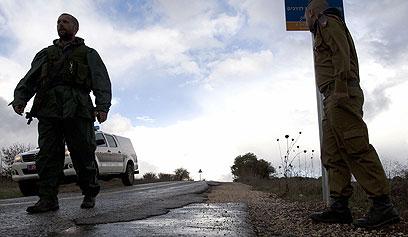 """כוחות צה""""ל באזור הגבול לאחר ירי ה""""תמוז""""  (צילום: AFP)"""