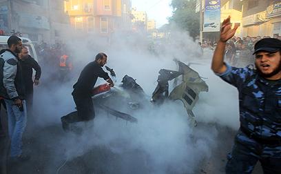 """הפגיעה במכוניתו של ג'עברי. הרמטכ""""ל פיקד על המבצע מהקריה (צילום: AFP)"""