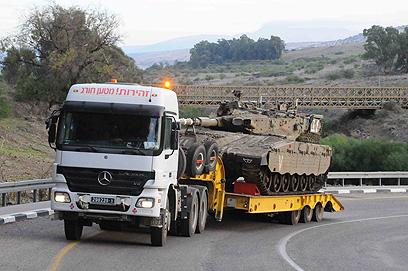 טנק בדרכו לדרום הארץ (צילום: אביהו שפירא )