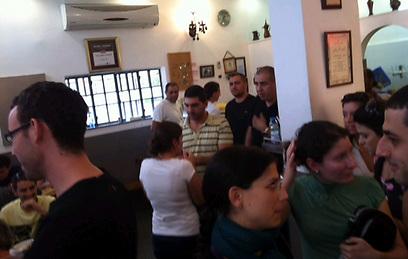 מסעדה בתל אביב בעת האזעקה (צילום: אוהד אשכנזי)