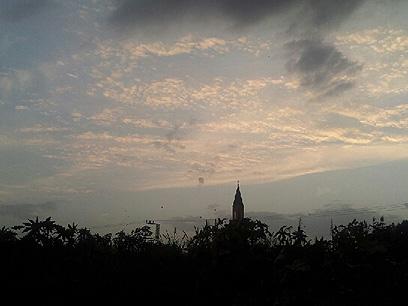 היירוט בשמי תל אביב (צילום: גלעד מורג)