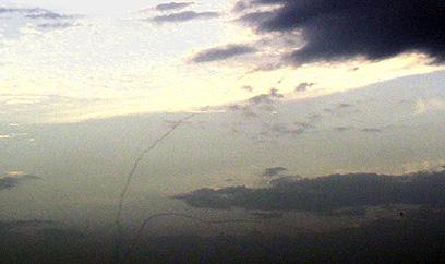 רגע היירוט (צילום: שחר לאודון)