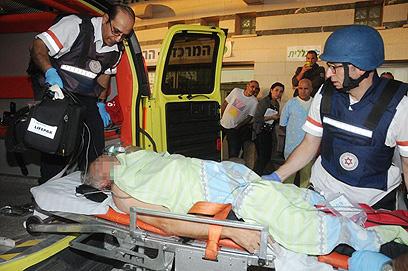 פצוע מאופקים מפונה לבית החולים (צילום:הרצל יוסף)
