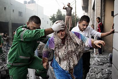 """תקיפת צה""""ל ברצועה הבוקר (צילום: AFP)"""