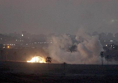 תקיפה בצפון רצועת עזה (צילום: גיל יוחנן)