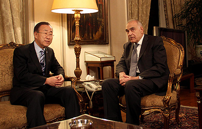 באן ושר החוץ המצרי, הערב (צילום: AP)