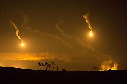 תקיפה ארטילרית לאורך כל הלילה (צילום: AFP)